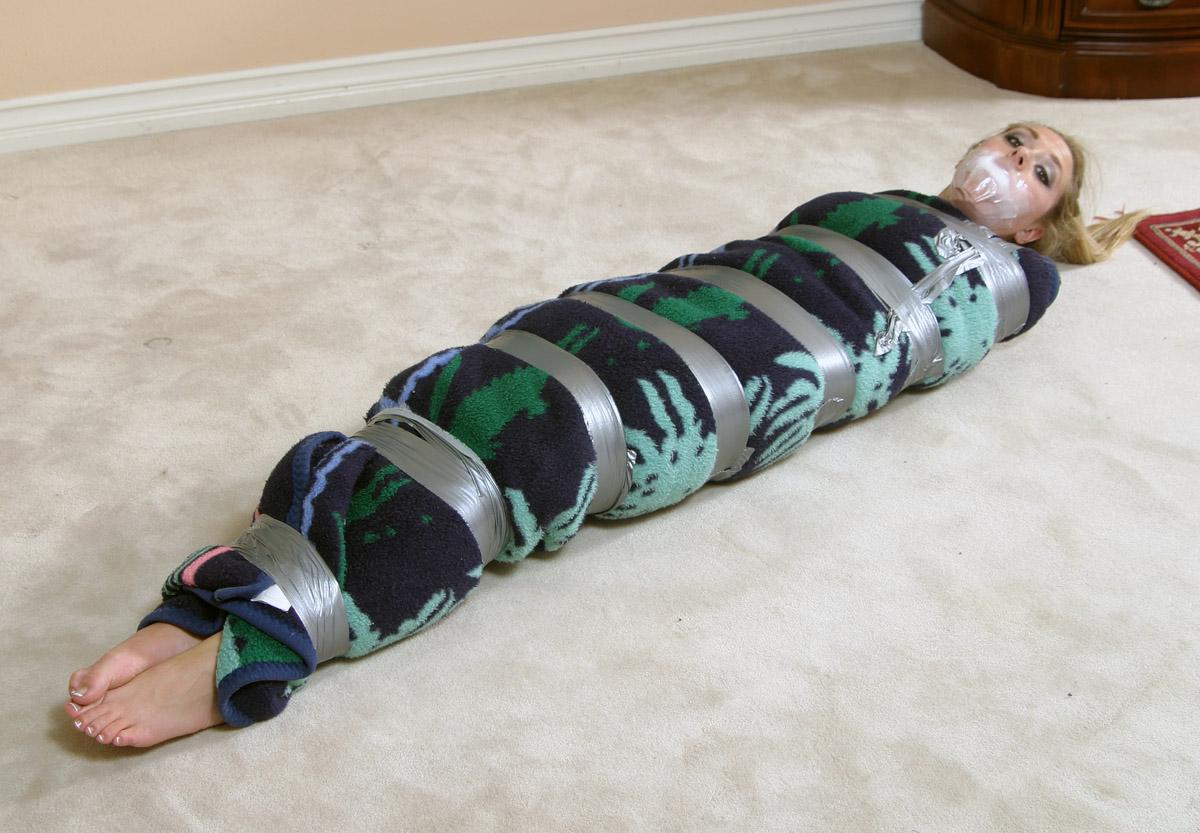 Секс бдсм пеленание в одеяло фото 365-755